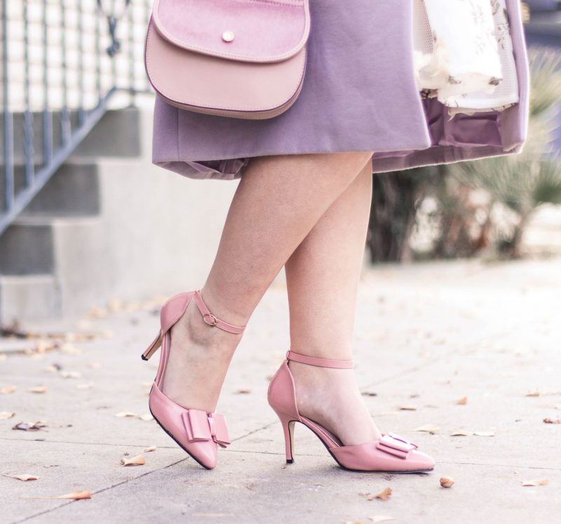 how to wear pastels in the winter by popular California style blogger Lizzie in Lace