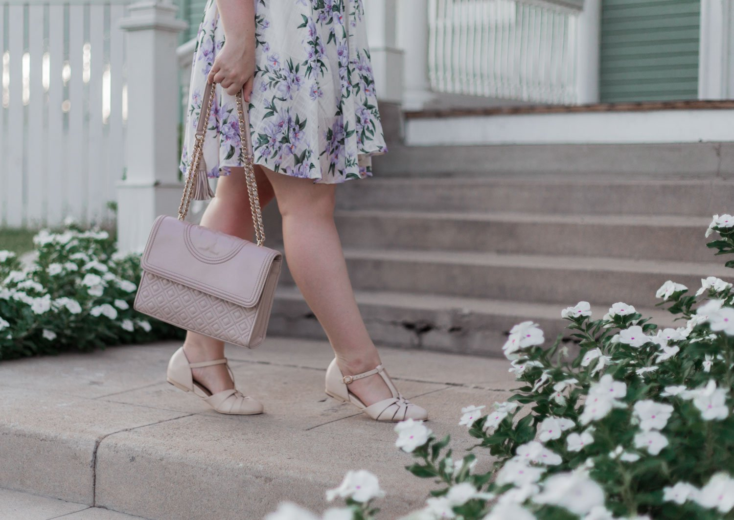 Elizabeth Hugen of Lizzie in Lace styles a purple floral dress and shares her favorite podcasts for bloggers, influencers and creative entrepreneurs