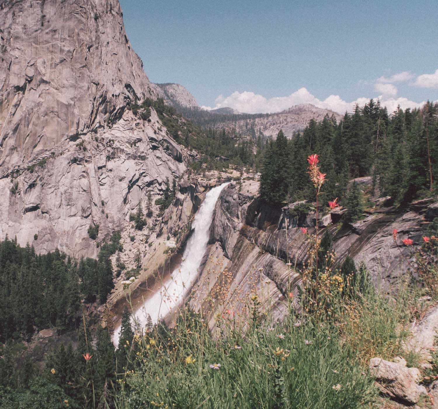 Elizabeth Hugen of Lizzie in Lace shares favorite things to do in Yosemite - including a hike to Nevada Falls!