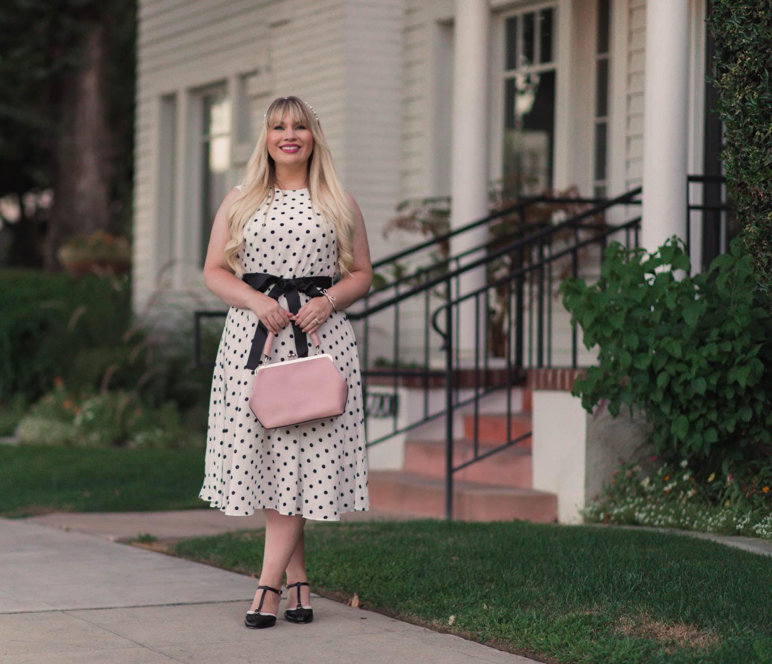 Elizabeth Hugen of Lizzie in Lace share a sleeveless polka dot dress along with her body struggles!