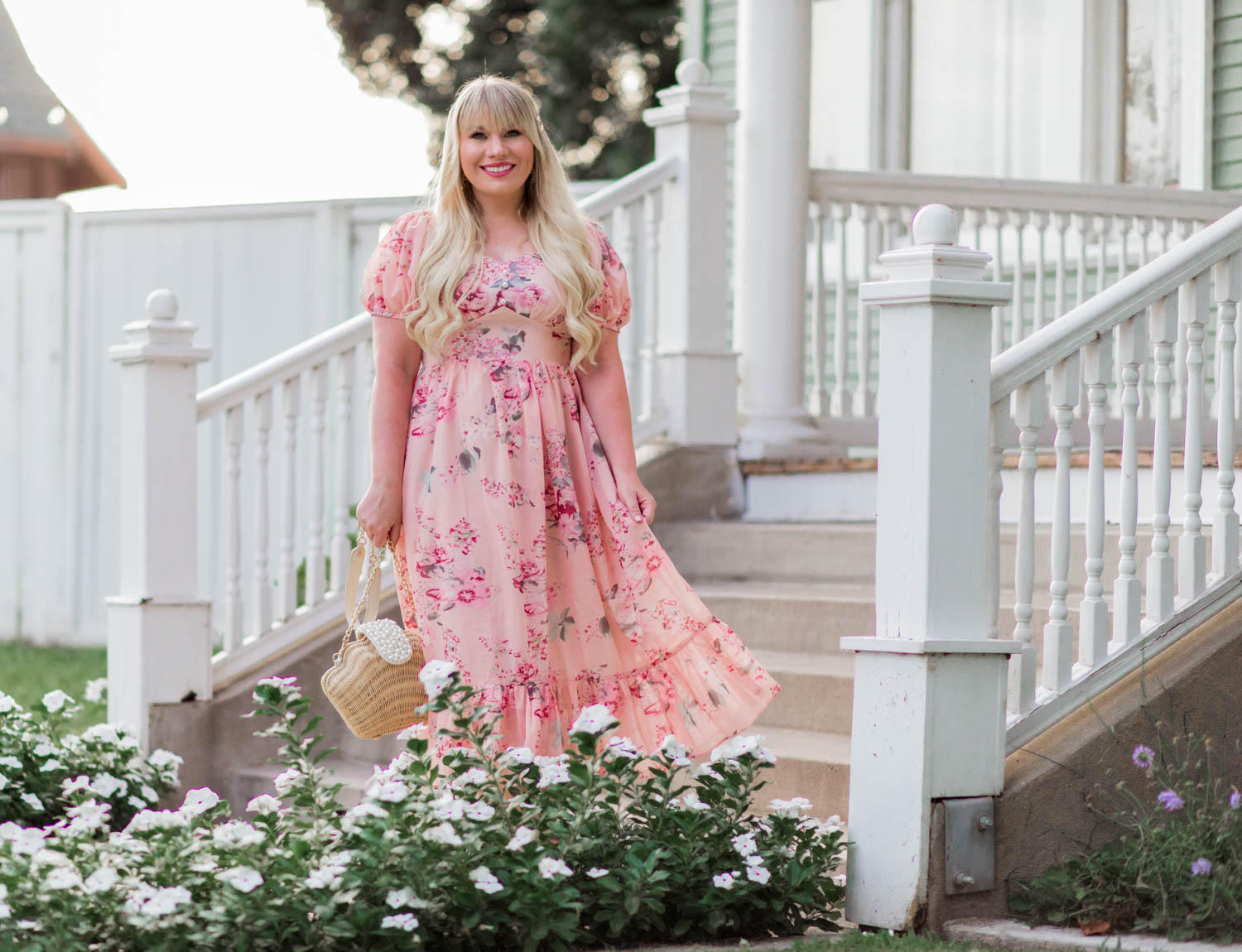 Elizabeth Hugen of Lizzie in Lace shares her July 2019 Month in Review along with a gorgeous pink feminine outfit!