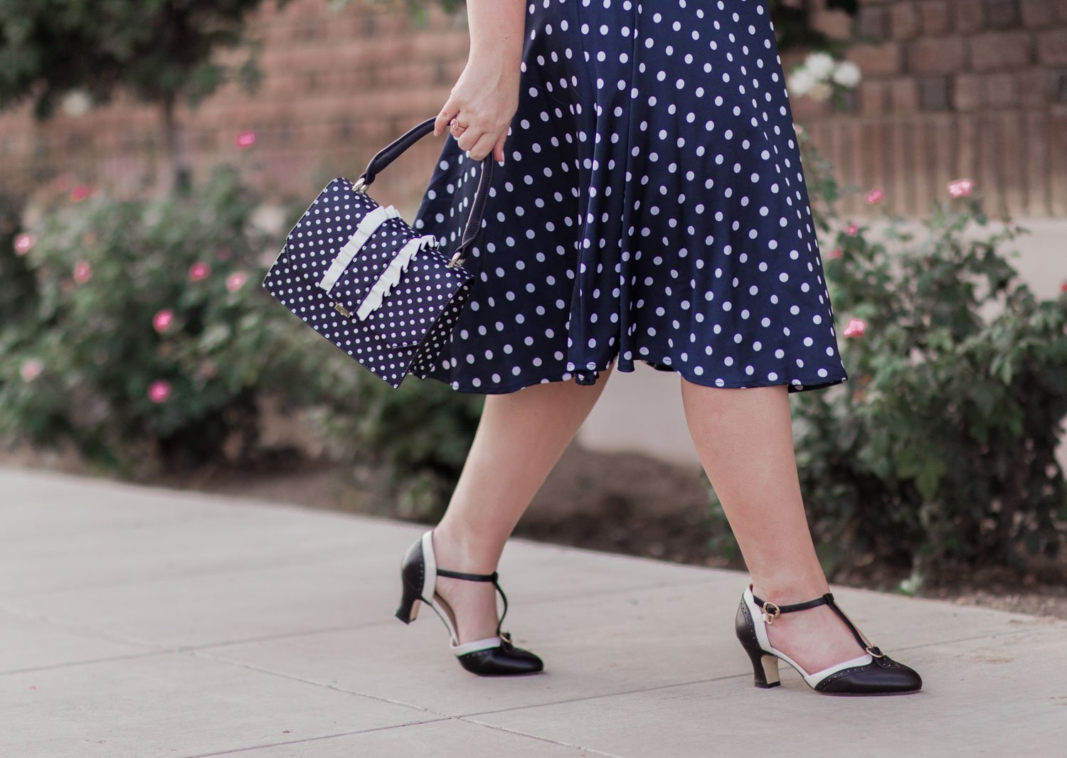 Elizabeth Hugen of Lizzie in Lace shares her feminine vintage style outfit with Charlie Stone heels!