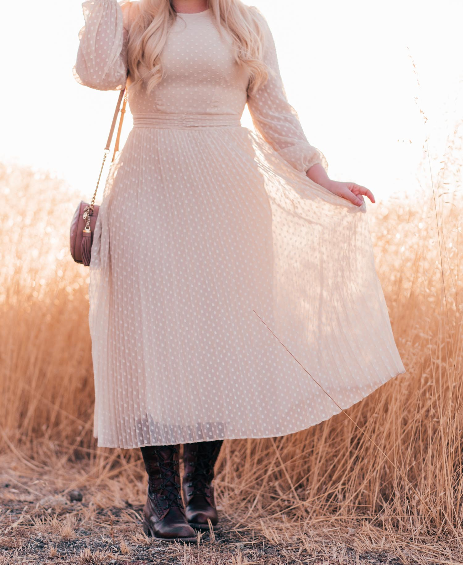 Elizabeth Hugen of Lizzie in Lace shares her Neutral Fall Outfit Essentials including this cream dress