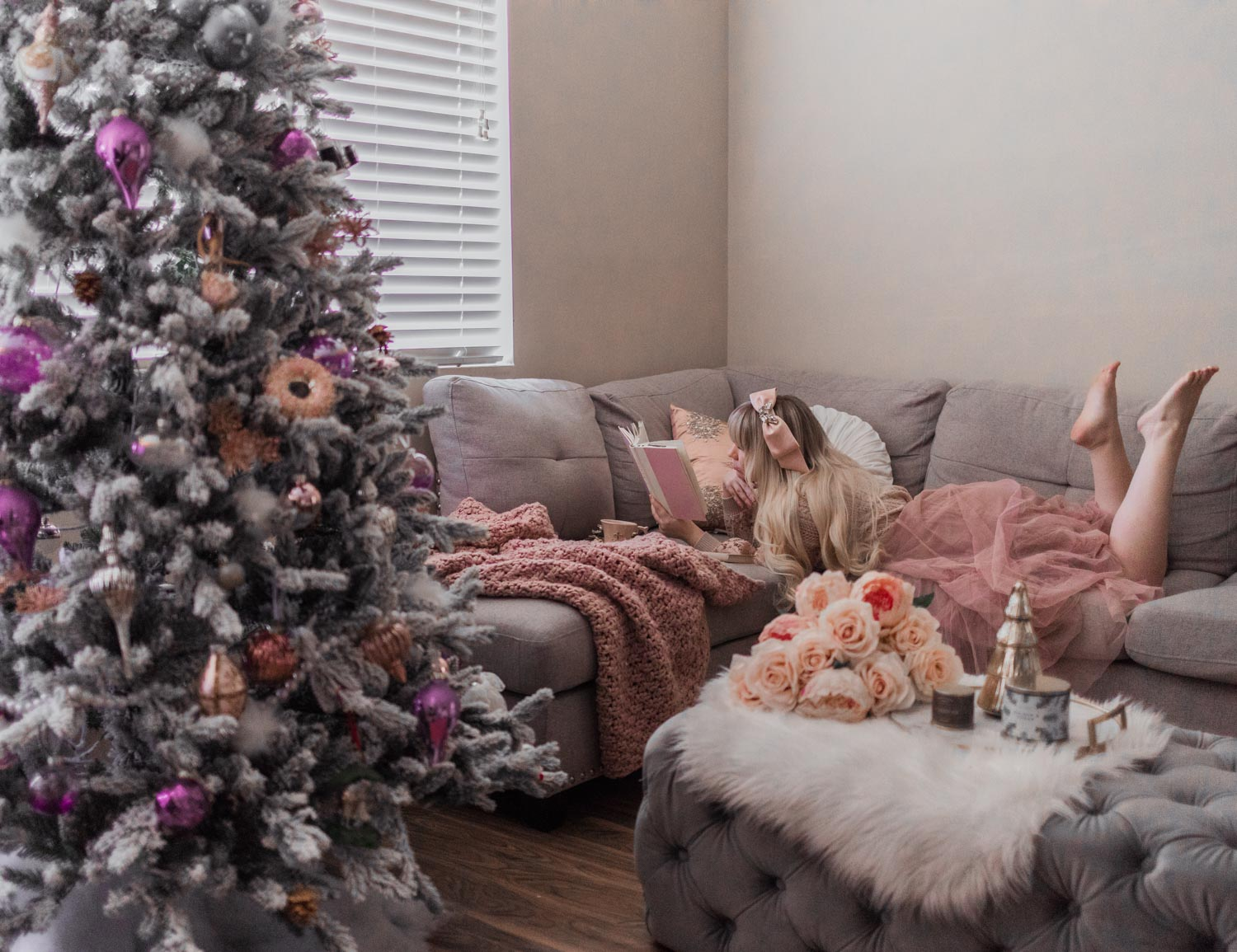 My Feminine Christmas Decor & King of Christmas Review