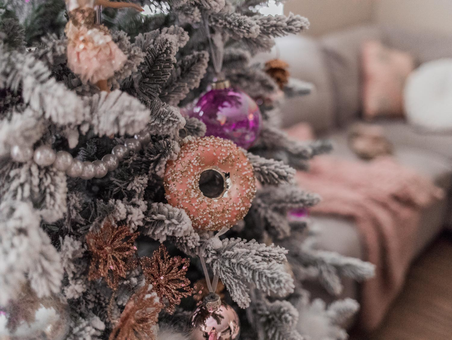 Elizabeth Hugen of Lizzie in Lace shares her feminine christmas tree ornaments