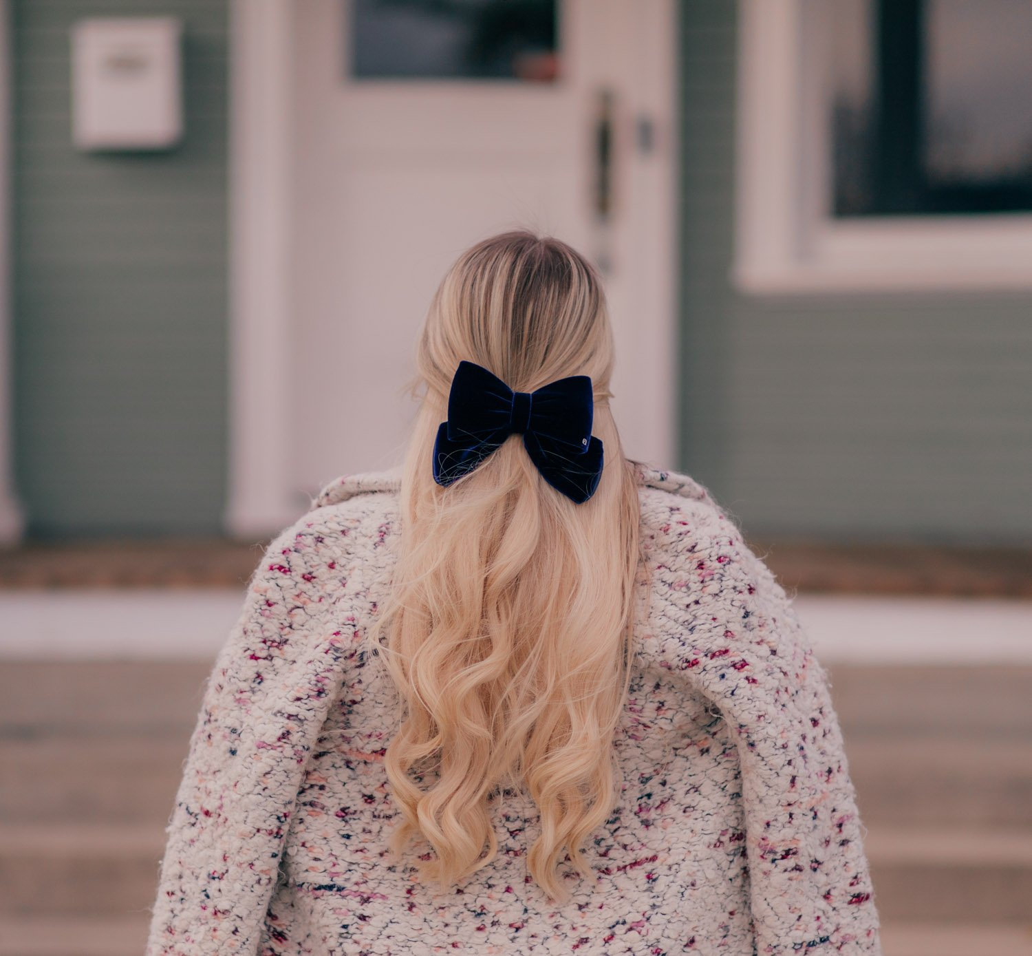 Elizabeth Hugen of Lizzie in Lace styles a velvet holiday hair bow!