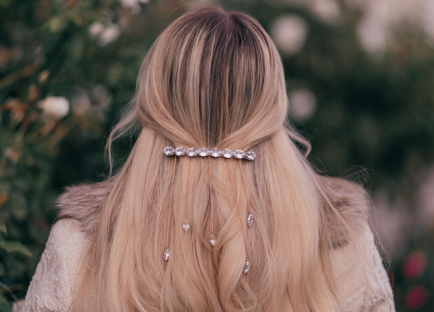 Elizabeth Hugen of Lizzie in Lace swears a glamorous holiday hair clip.