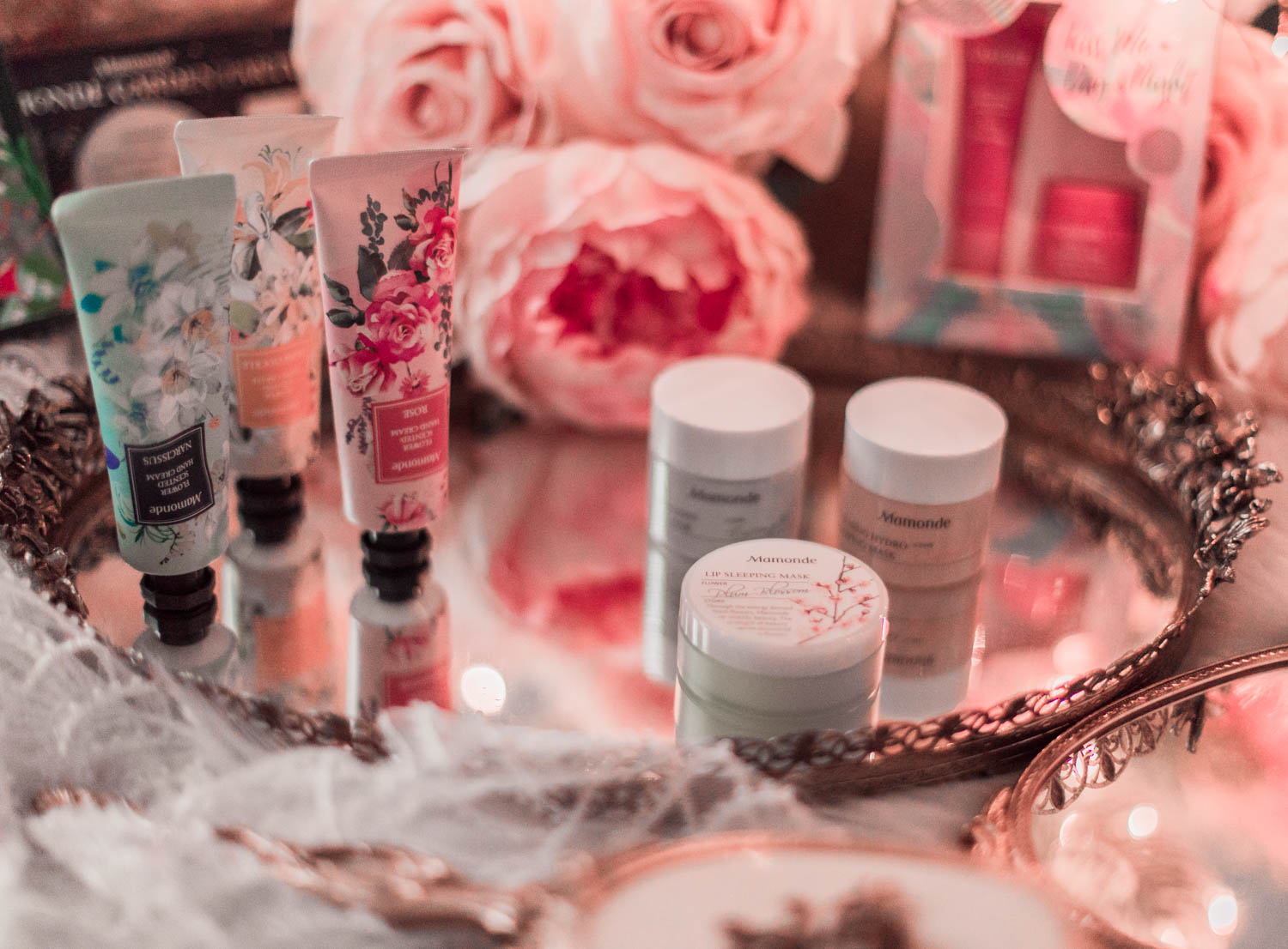 Elizabeth Hugen of Lizzie in Lace shares Mamonde holiday gift sets