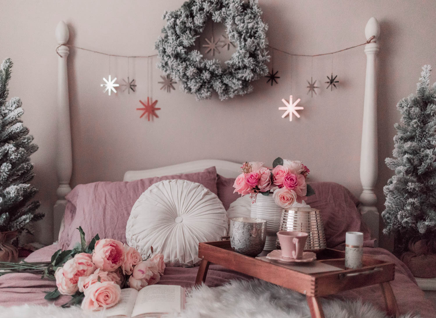 Elizabeth Hugen of Lizzie in Lace shares her feminine christmas decor