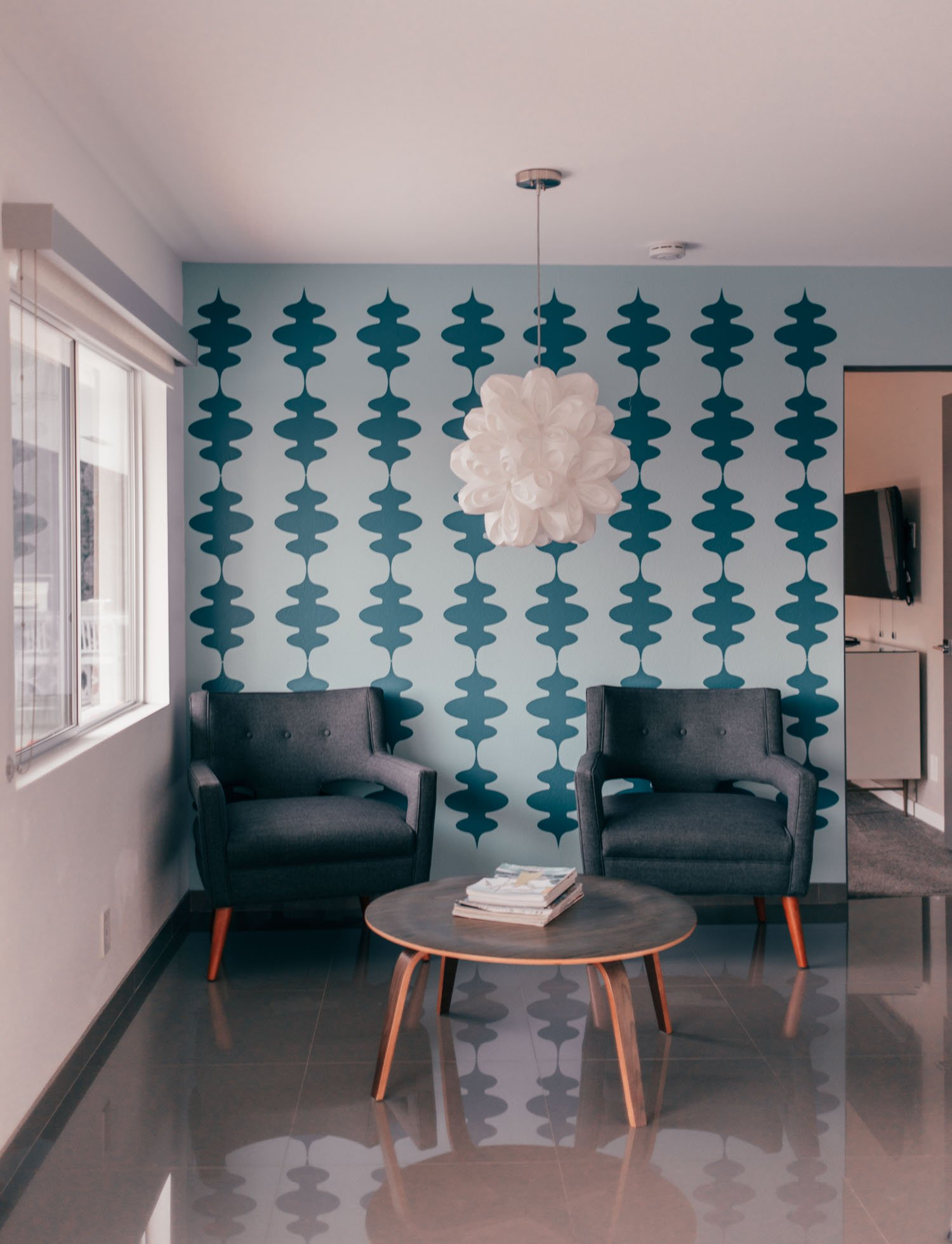 Elizabeth Hugen of Lizzie in Lace shares mid-century modern Palm Springs home decor