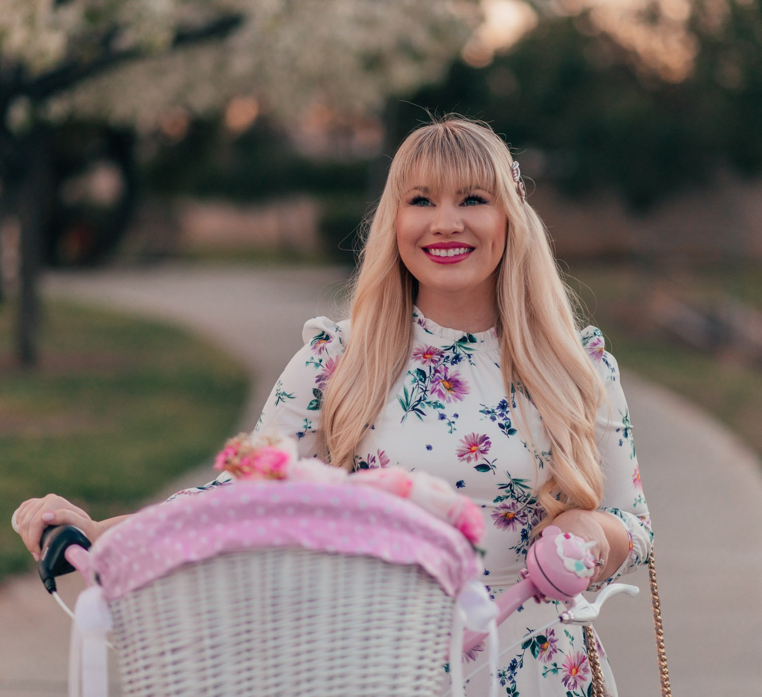 Elizabeth Hugen of Lizzie in Lace shares her Spring Wardrobe Essentials including this white floral dress from Review Australia