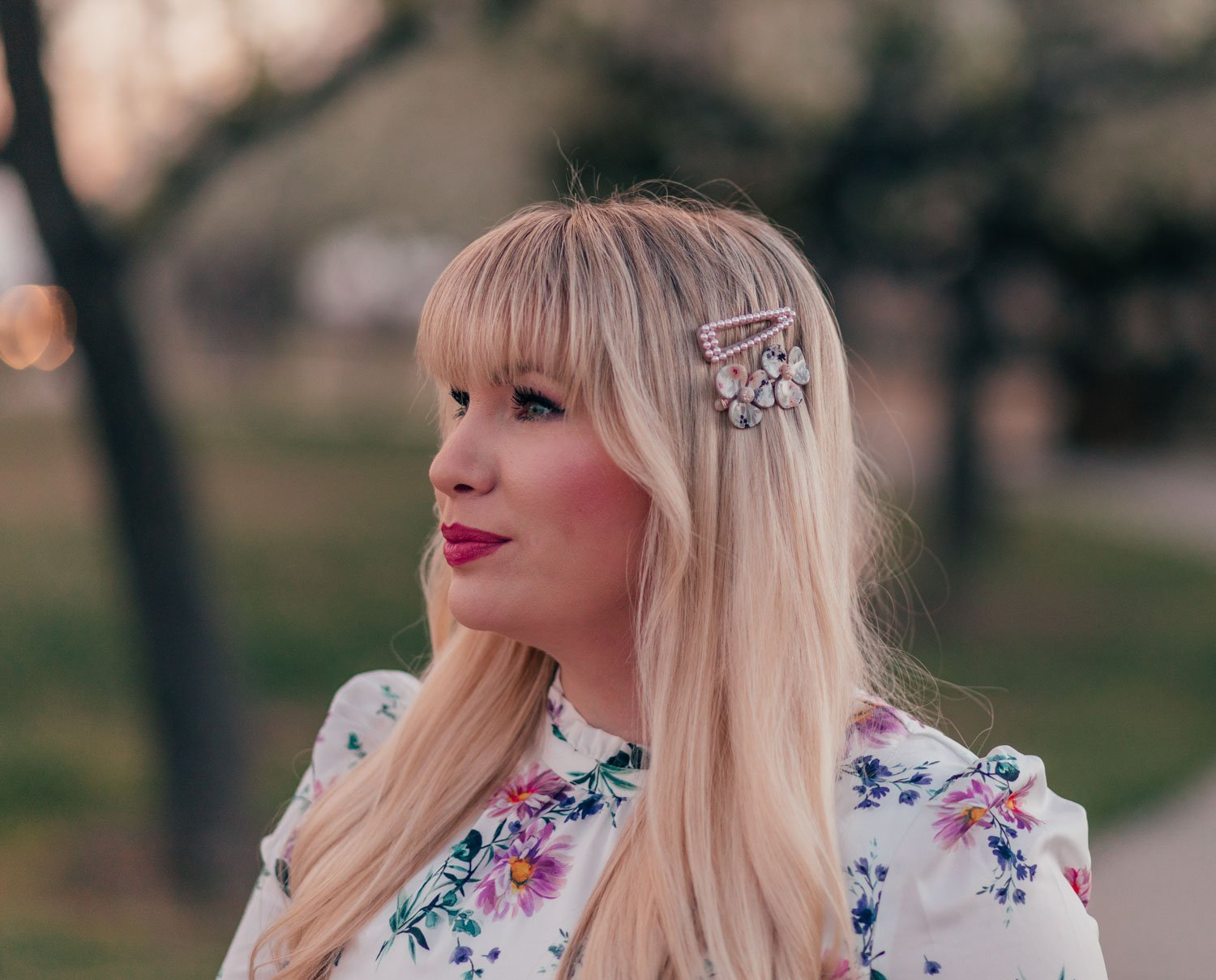 Elizabeth Hugen of Lizzie in Lace shares her Spring Wardrobe Essentials including these feminine hair clips