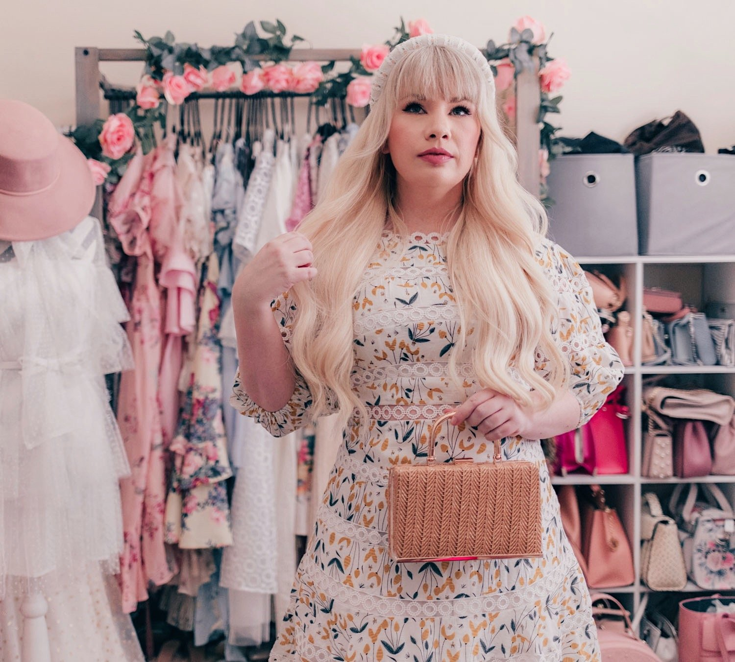 Fashion Blogger Elizabeth Hugen of Lizzie in Lace wears a floral summer dress from Chicwish