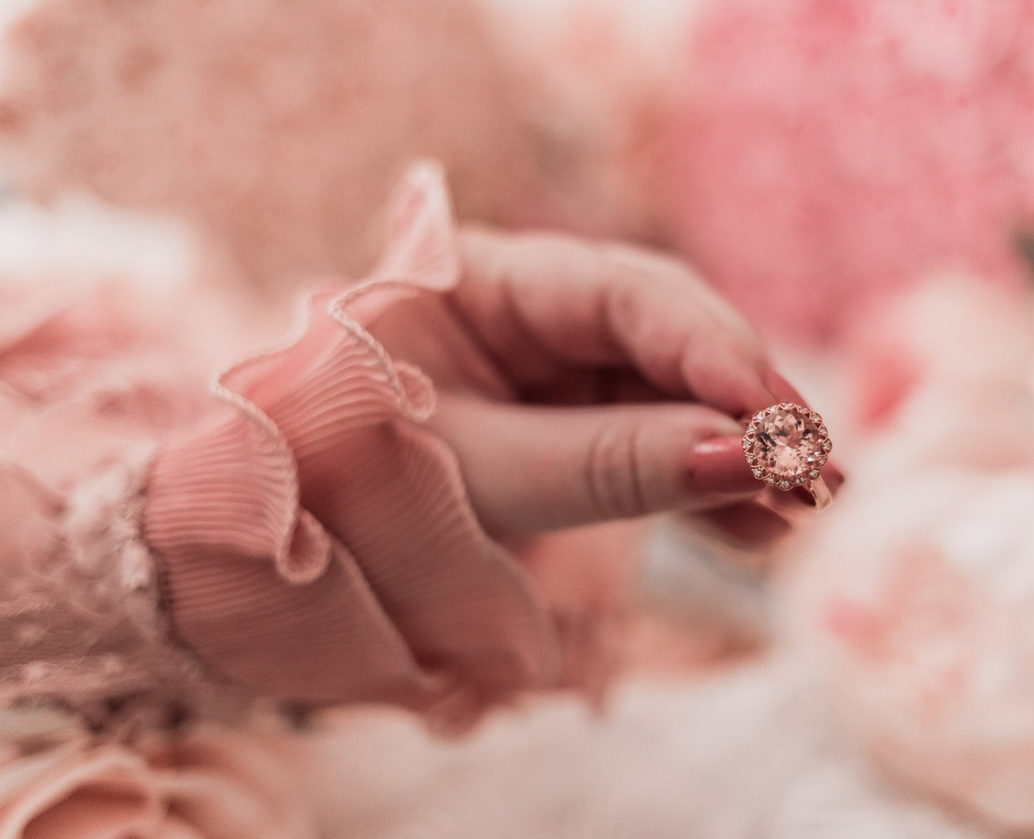 Fashion Blogger Elizabeth Hugen of Lizzie in Lace shares how to get free jewelry along with thoughts on this stunning Morganite ring with rose gold