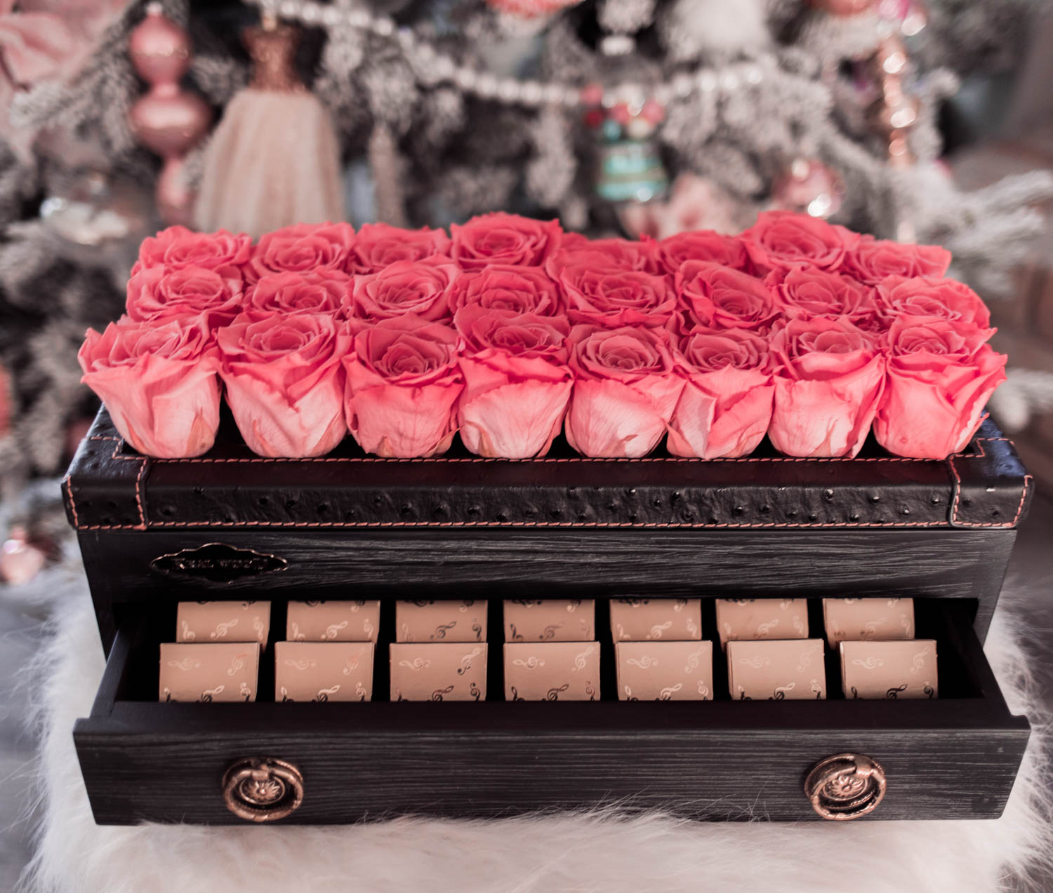 Fashion Blogger Elizabeth Hugen shares her Girly Girl Holiday Gift Guide including an infinity rose box
