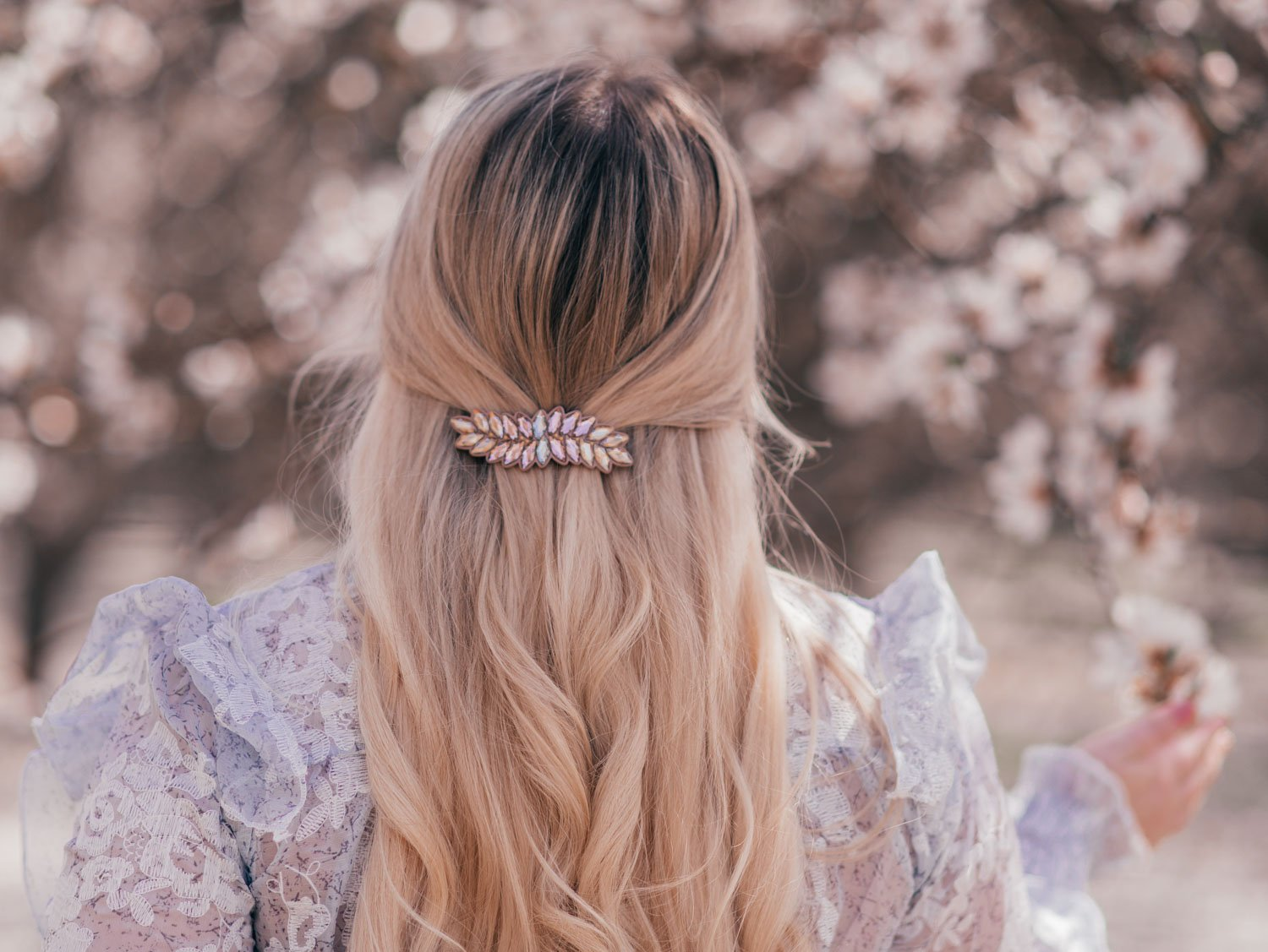 Feminine Fashion Blogger Elizabeth Hugen of Lizzie in Lace shares her girly hair accessories collection including this alexandre de paris hair clip