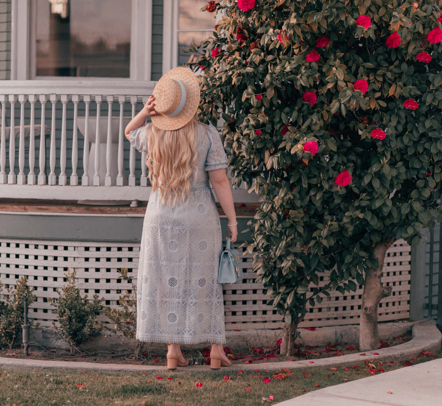 Girly Fashion Blogger Elizabeth Hugen of Lizzie in Lace shares a Feminine Cottagecore Outfit Idea for Spring
