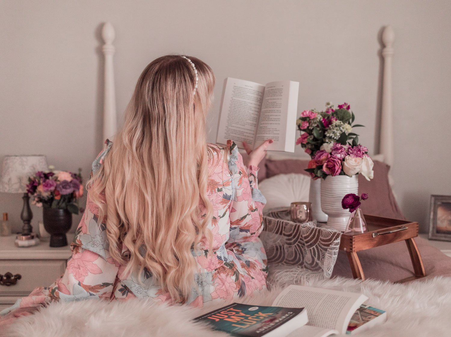 Feminine blogger Elizabeth Hugen of Lizzie in Lace shares her favorite spring books and 2021 new releases