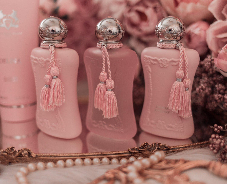 Feminine fashion blogger Elizabeth Hugen of Lizzie in Lace shares the entire Perfums de Marly Delina Collection including Delina eau de parfum, Delina La Rosee and Delina Exclusif
