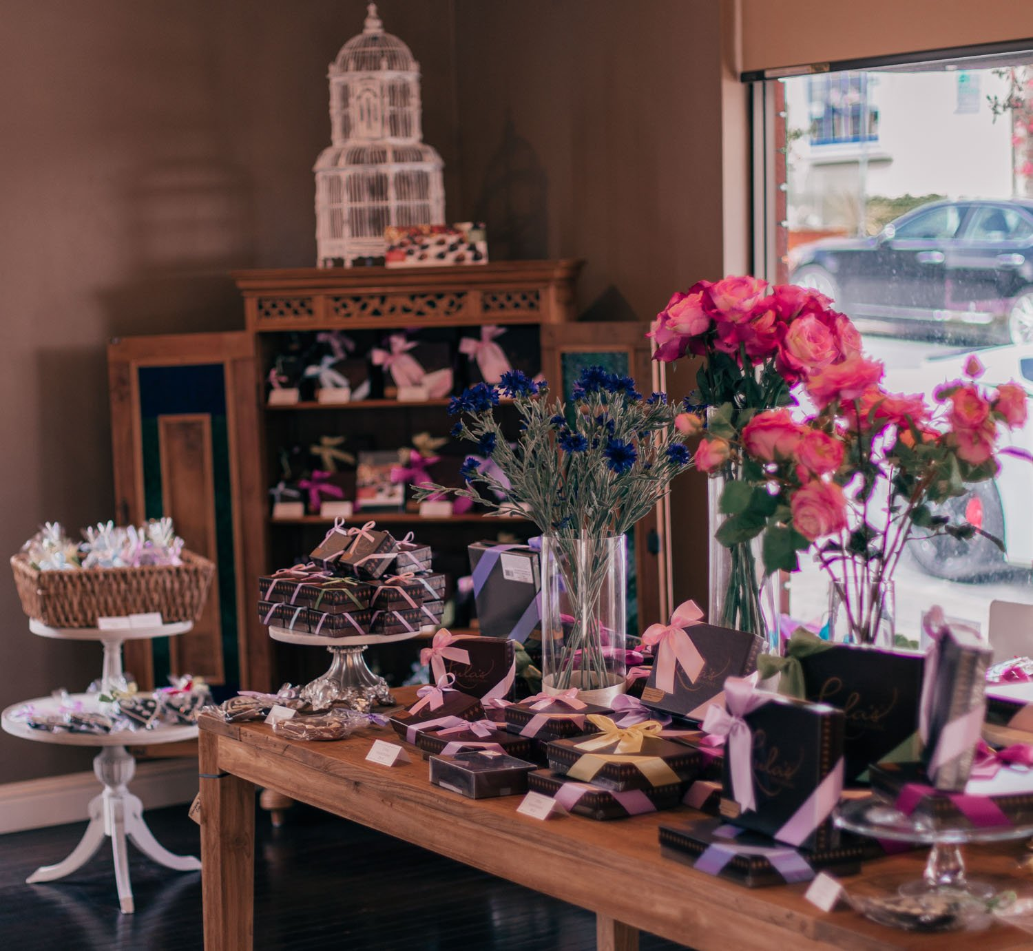 Fashion Blogger Elizabeth Hugen of Lizzie in Lace shares what to do in Carmel by-the-sea including exploring Carmel by-the-sea restaurants