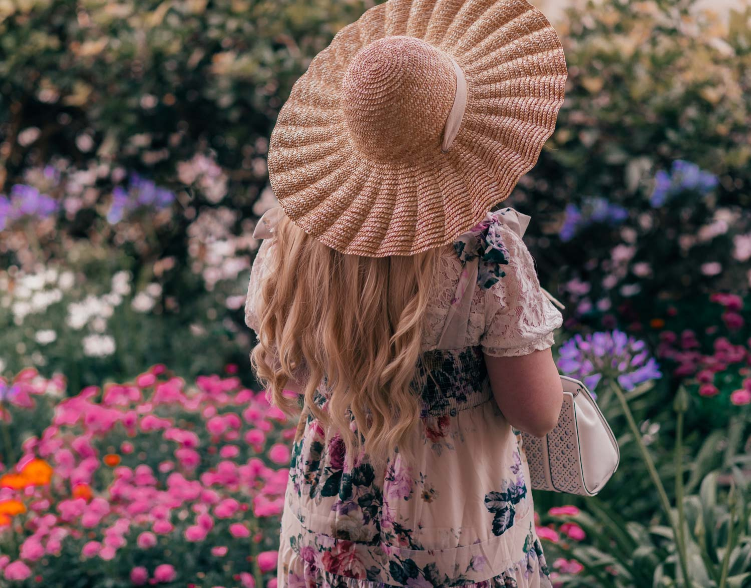 Feminine fashion blogger Elizabeth Hugen of Lizzie in Lace shares 3 Feminine Summer Hair Accessories to Wear Now including this gorgeous straw scalloped Lack of Color hat