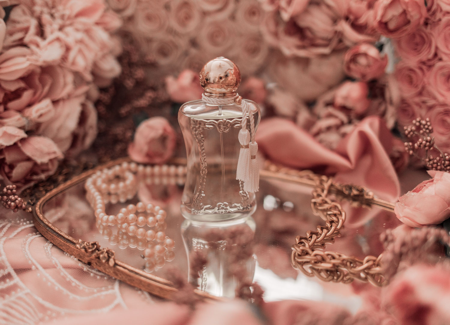 Feminine fashion and beauty blogger Elizabeth Hugen of Lizzie in Lace shares the Parfums de Marly feminine perfume collection including Meliora