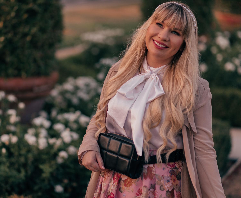 Feminine Fashion Blogger Elizabeth Hugen of Lizzie in Lace shares a peek into the FabFitFun Fall Box including the Amanda Uprichard Belt bag