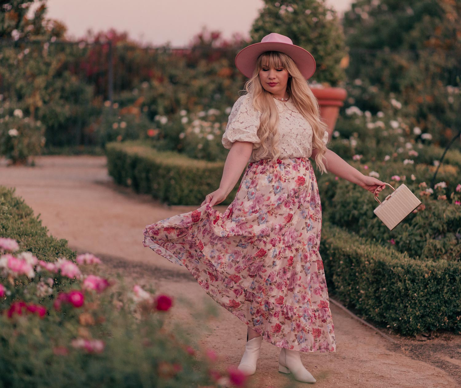 Feminine Fashion Blogger Elizabeth Hugen of Lizzie in Lace shares her top 5 Feminine Summer Essentials for the Girly Girl