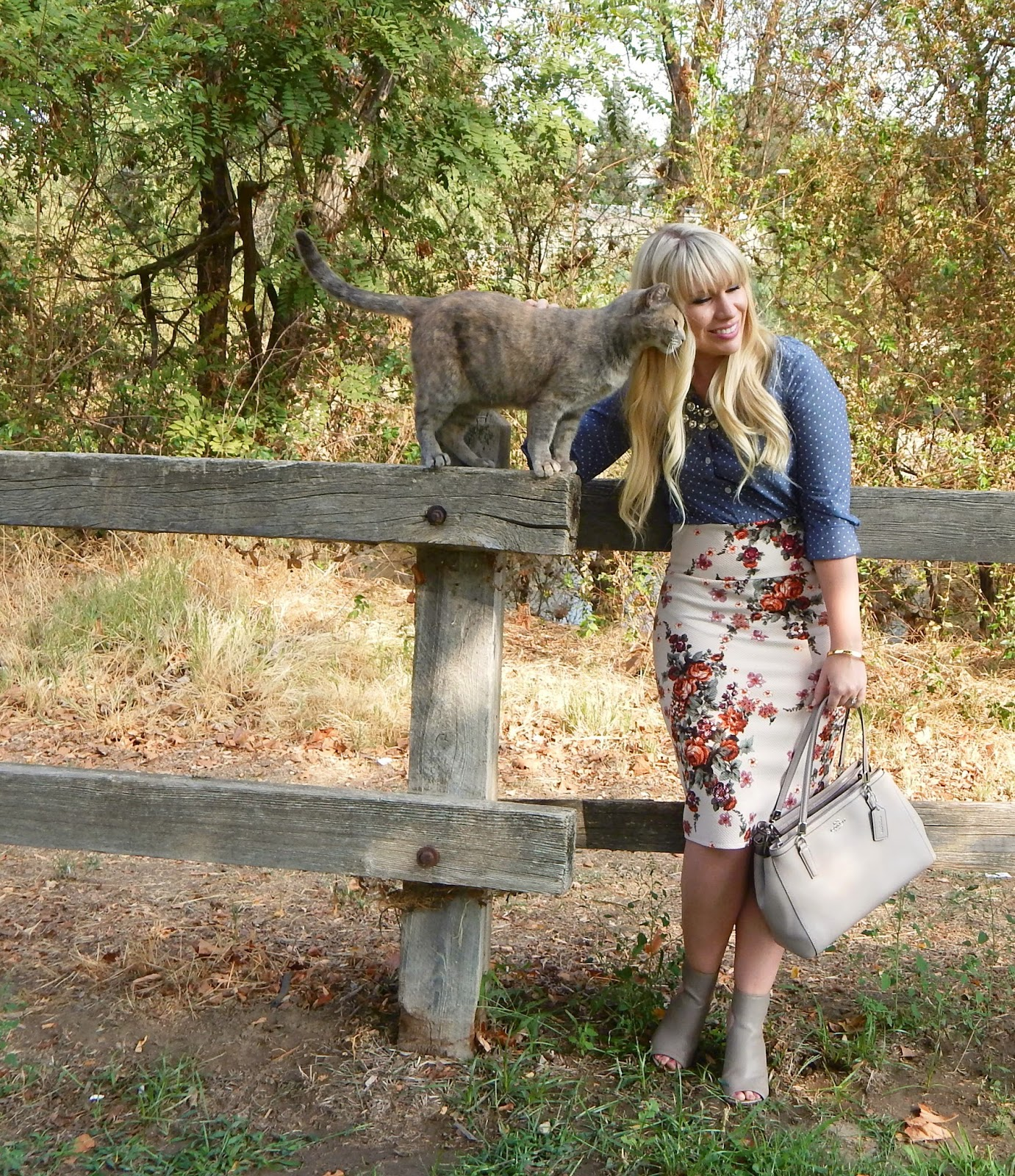 Feminine Fashion Blogger Elizabeth Hugen of Lizzie in Lace shares the truth about why she quit selling Lularoe