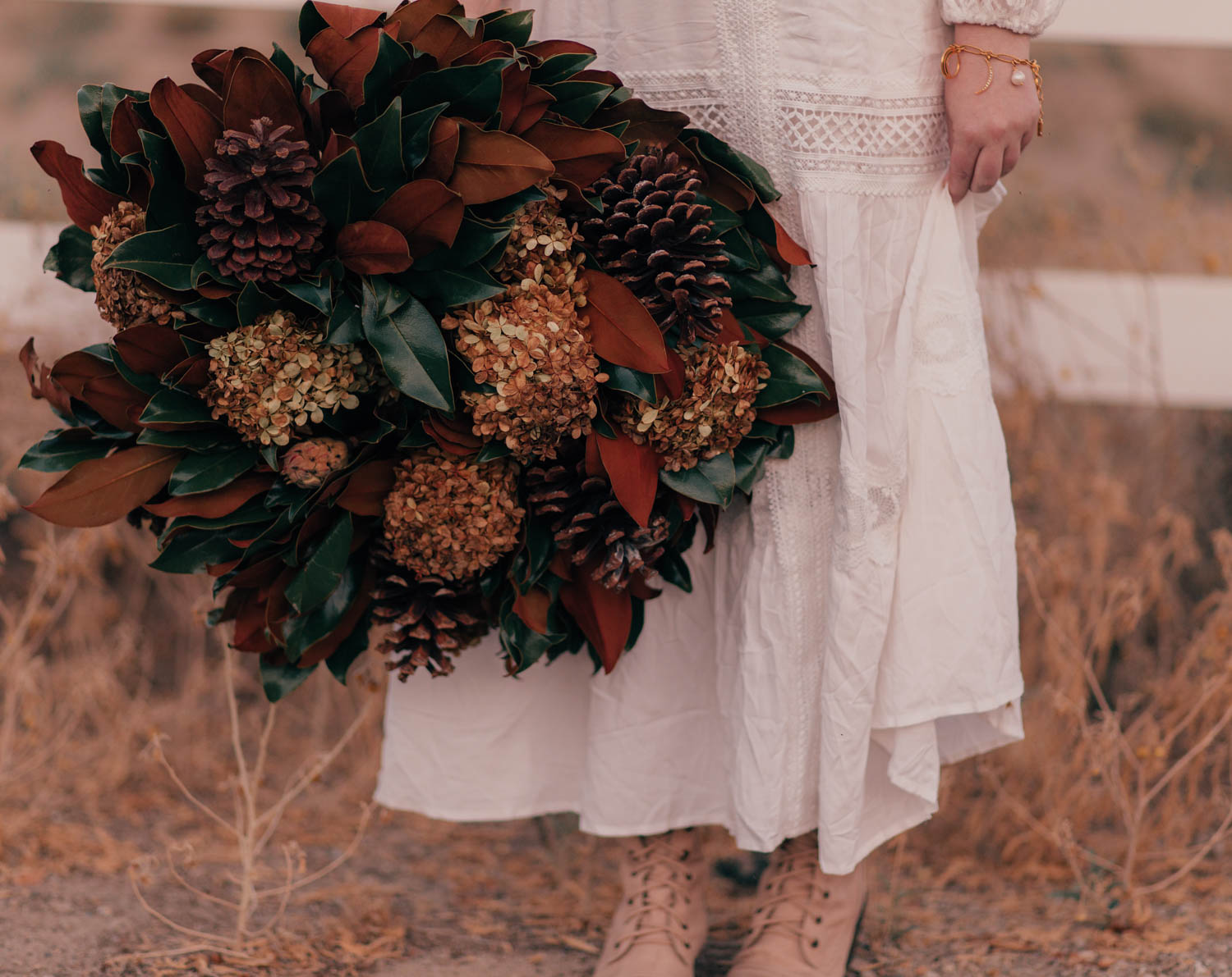 Feminine Fashion Blogger Elizabeth Hugen of Lizzie in Lace shares her Fall 2021 Bucket List & Intentions along with a gorgeous fall wreath from Weston Farms