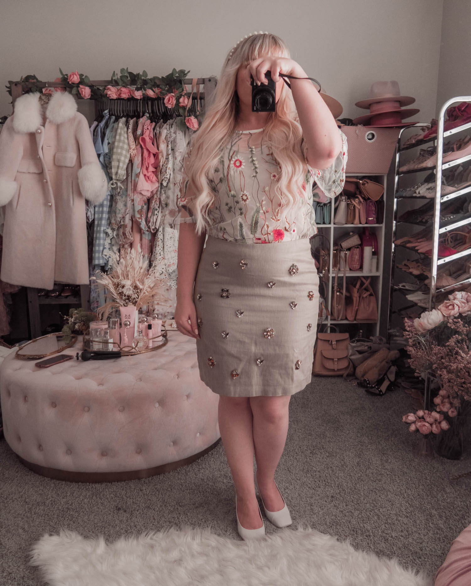 Feminine Fashion Blogger Elizabeth Hugen of Lizzie in Lace shares an honest Wardrobe Box Review, a Sustainable Fashion Subscription Box